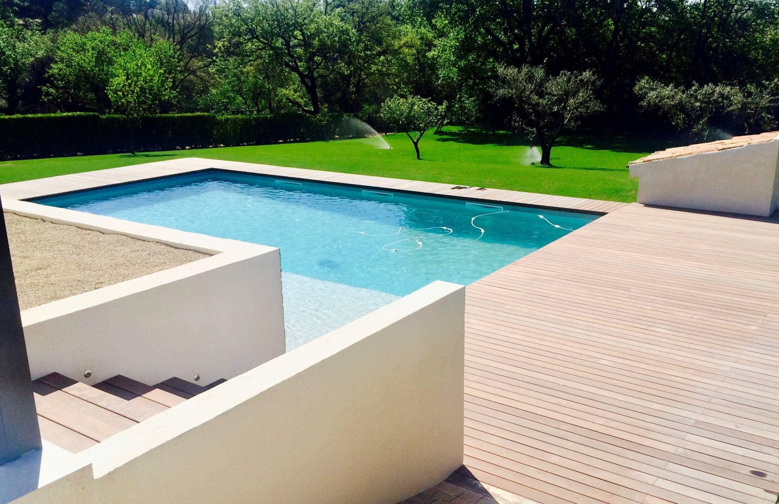 Piscine Bois Exotique - PLAGE BOIS EXOTIQUE POUR PISCINE A EGUILLES Aménagement de terrasse en boisà Aix en Provence