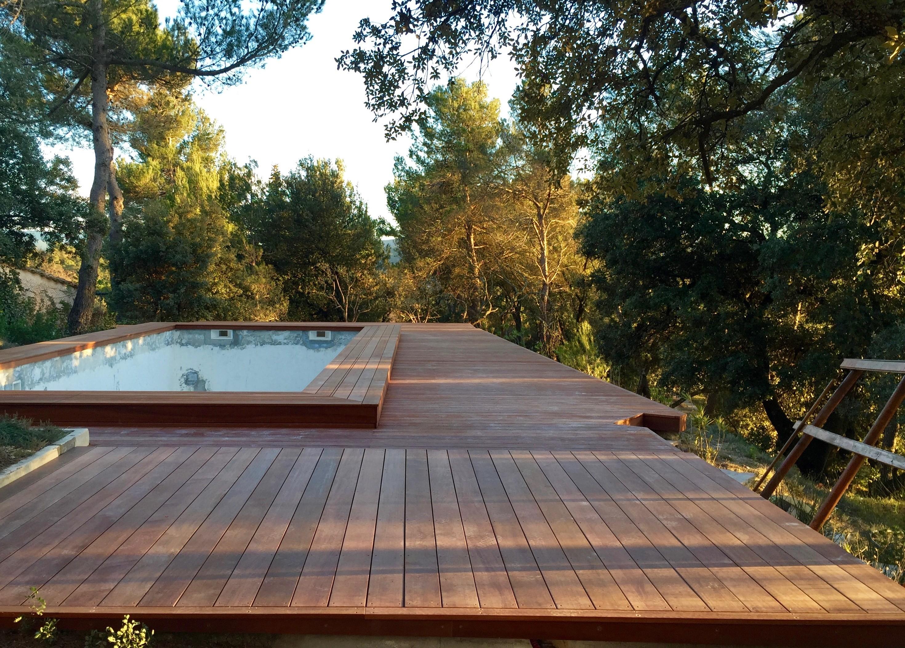Plage piscine bois vaison la romaine am nagement de for Piscine romaine