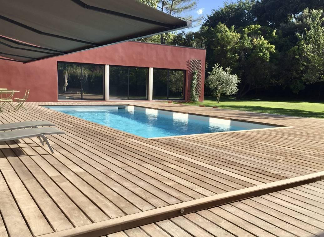 tour de piscine bois poutour piscine bois en galets plage piscine sans margelle terrasse bois. Black Bedroom Furniture Sets. Home Design Ideas