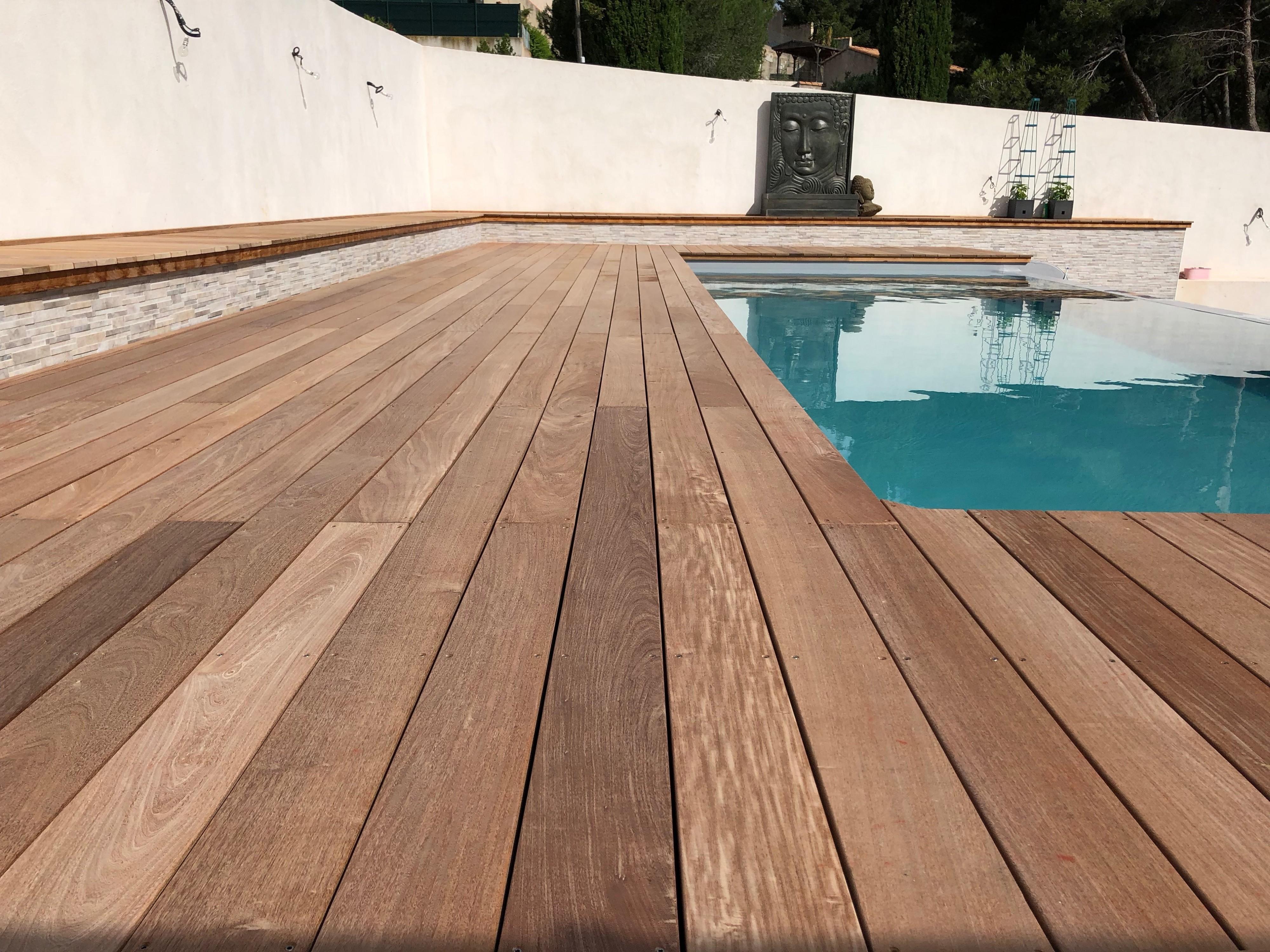 fabrication d 39 une terrasse en bois exotique type ip sur pilotis marseille am nagement de. Black Bedroom Furniture Sets. Home Design Ideas