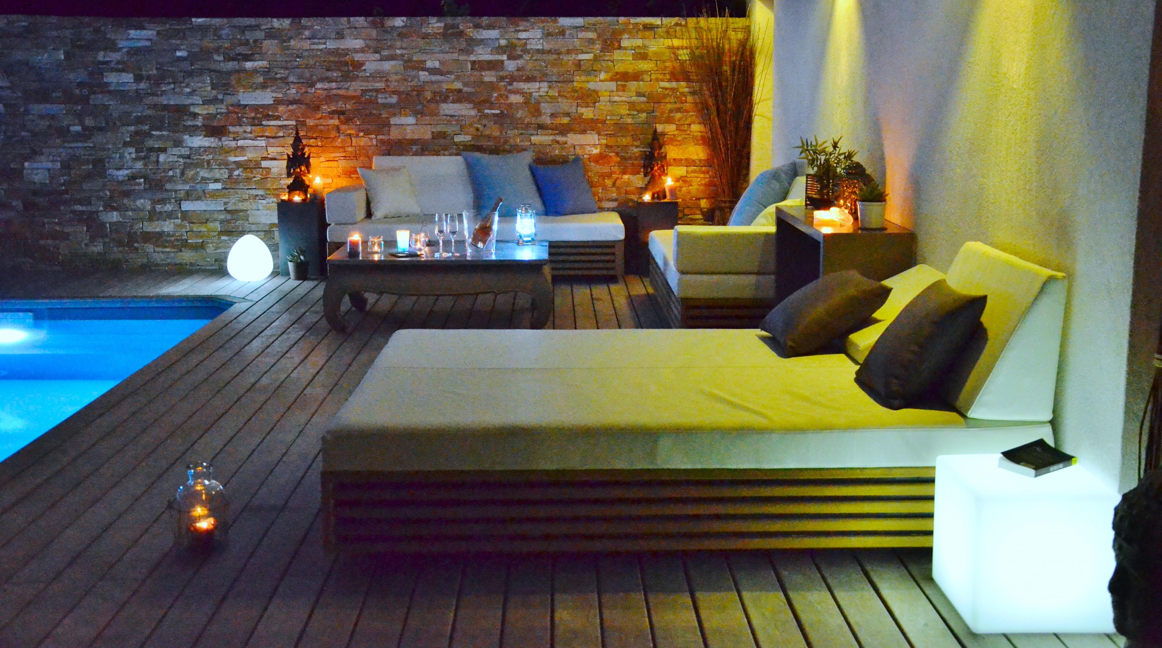 mobilier opium pour plage de piscine a cavaillon am nagement de terrasse en bois aix en. Black Bedroom Furniture Sets. Home Design Ideas