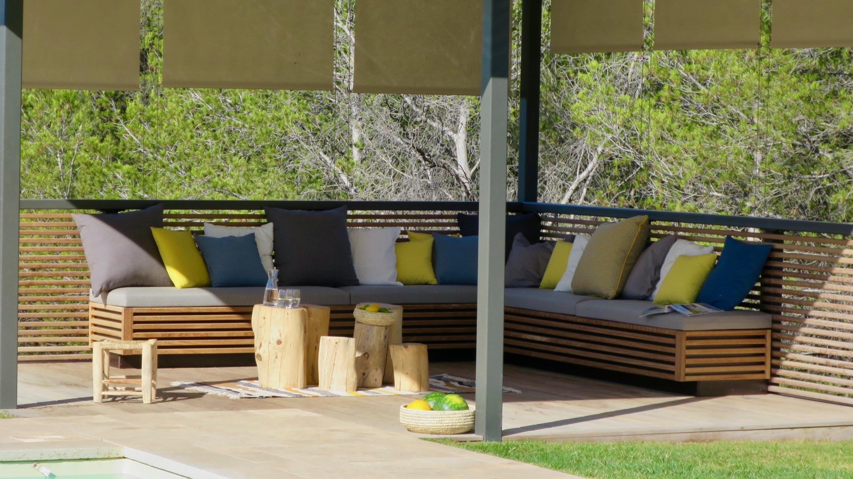 Votre terrasse avec notre mobilier opium am nagement for Mobilier terrasse