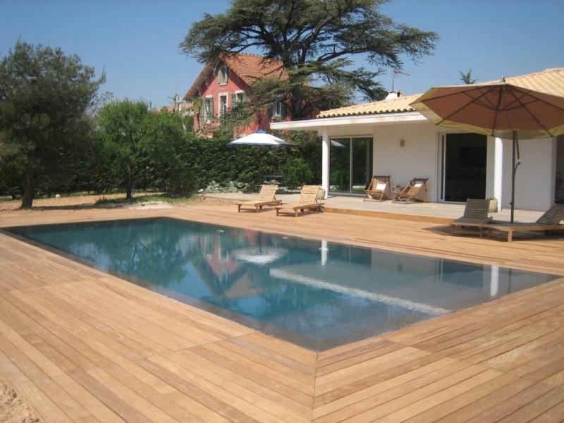 piscine coque polyester toulon am nagement de terrasse en bois aix en. Black Bedroom Furniture Sets. Home Design Ideas